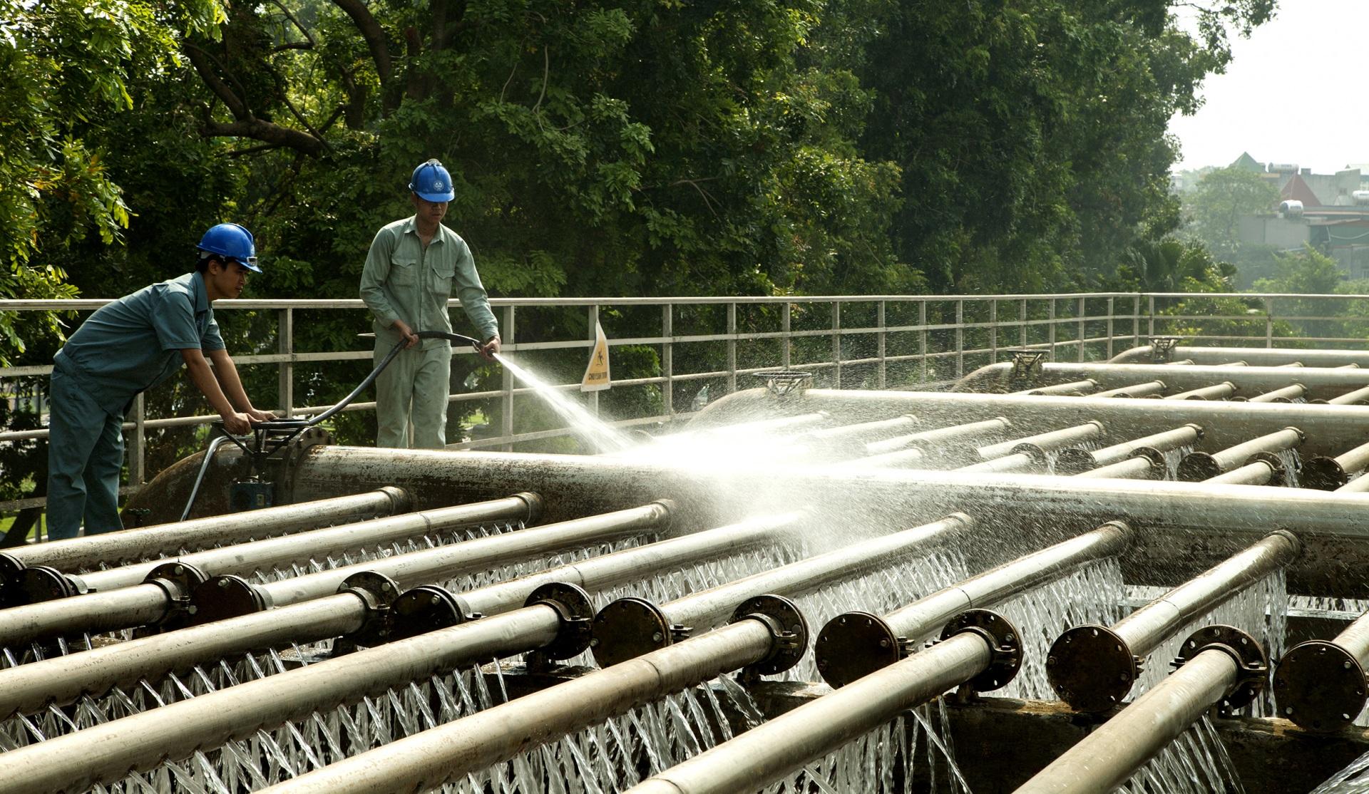 Tăng cường quản lý hoạt động sản xuất, kinh doanh nước sạch, bảo đảm cấp nước an toàn, liên tục