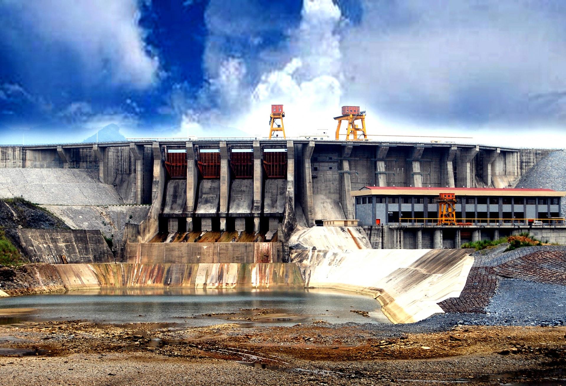 Câu chuyện về các dự án thủy điện trong mùa mưa lũ