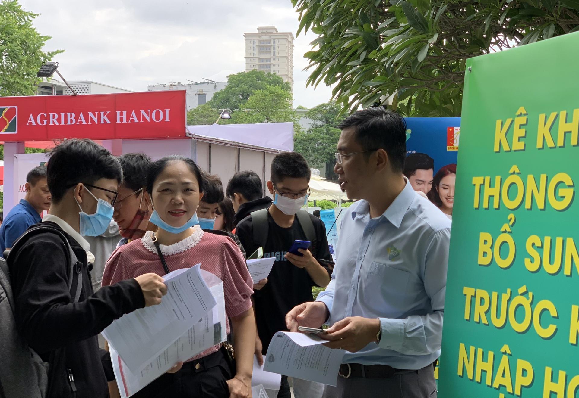 Trường Đại học Bách khoa triển khai cho sinh viên đóng học phí qua ứng dụng ViettelPay