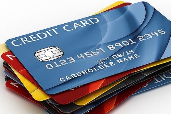 Bùng nổ thẻ tín dụng - người tiêu dùng đang thực sự là thượng đế?