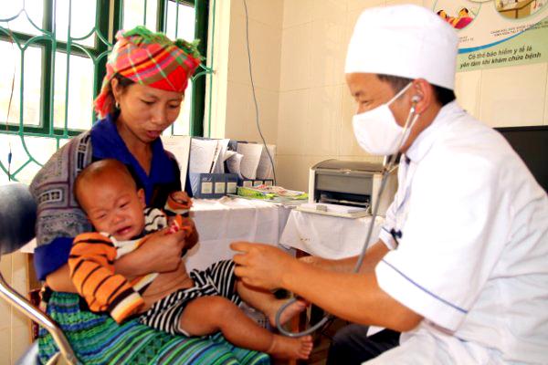Những bất cập trong khám, chữa bệnh bảo hiểm y tế
