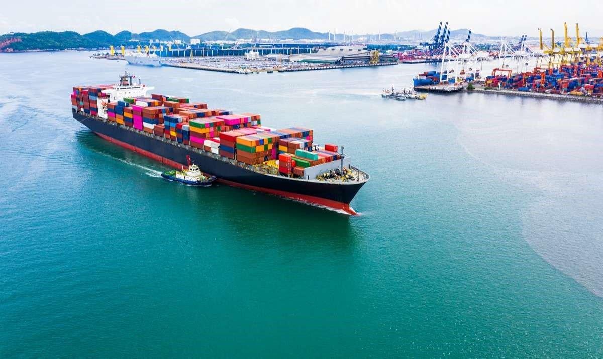 Nhìn lại hoạt động thực hiện thủ tục hành chính xuất nhập khẩu từ sự hài lòng của doanh nghiệp (kỳ 1)