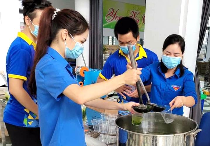 Tây Hồ - Hà Nội: Suất ăn 0 đồng mang đậm tình thương và rất thiết thực