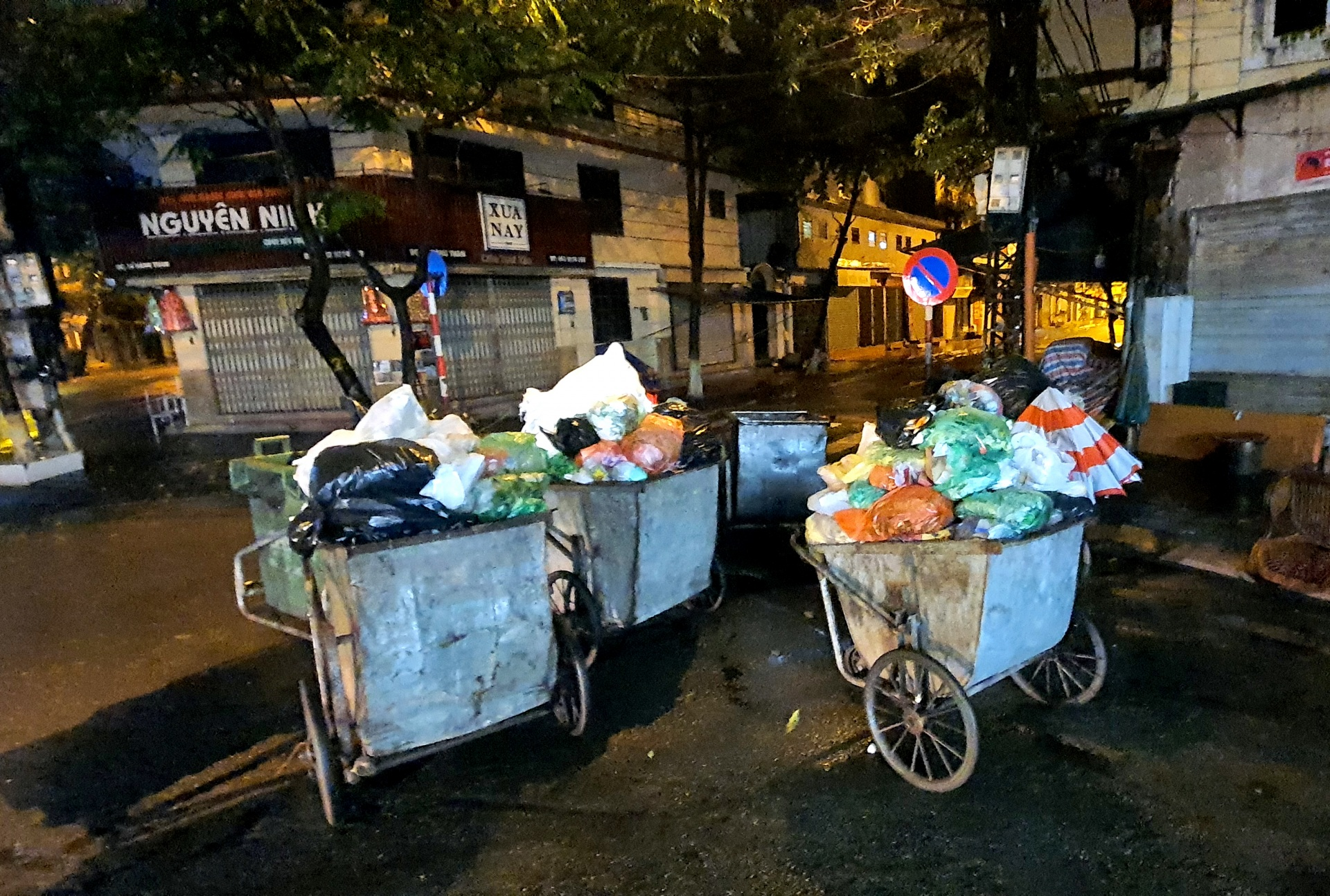 Nhiều vấn đề trong việc thu gom rác thải sinh hoạt cần được quan tâm và xử lý
