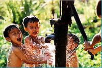 Tầm quan trọng của nước sạch & vệ sinh đối với sự phát triển của trẻ em tại Việt Nam