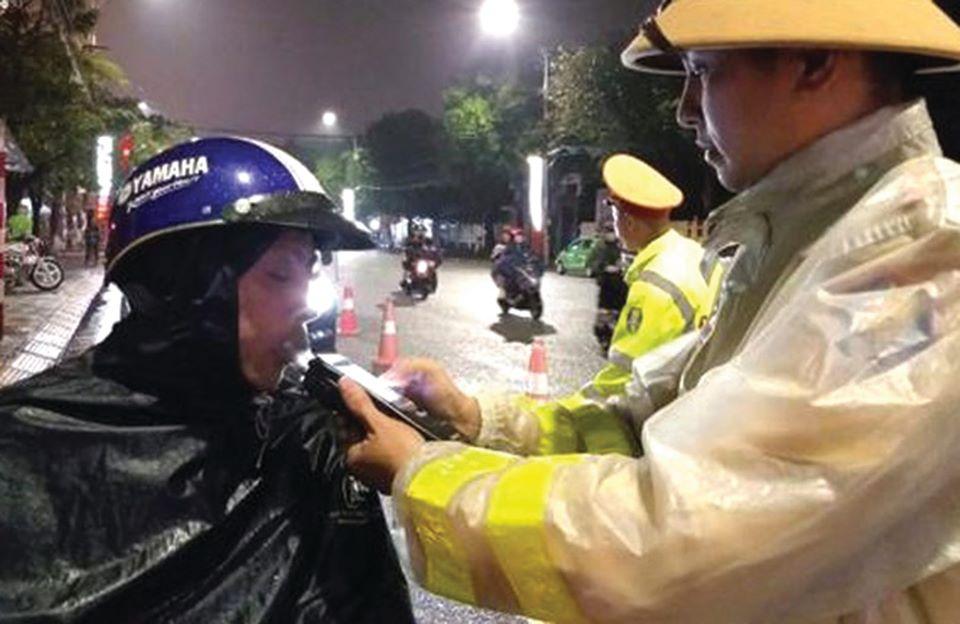 CSGT Công an tỉnh Hà Tĩnh đảm bảo TTATGT tạo môi trường phát triển kinh tế xã hội