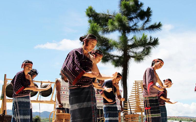 Trao truyền ngọn lửa văn hóa Chu Ru