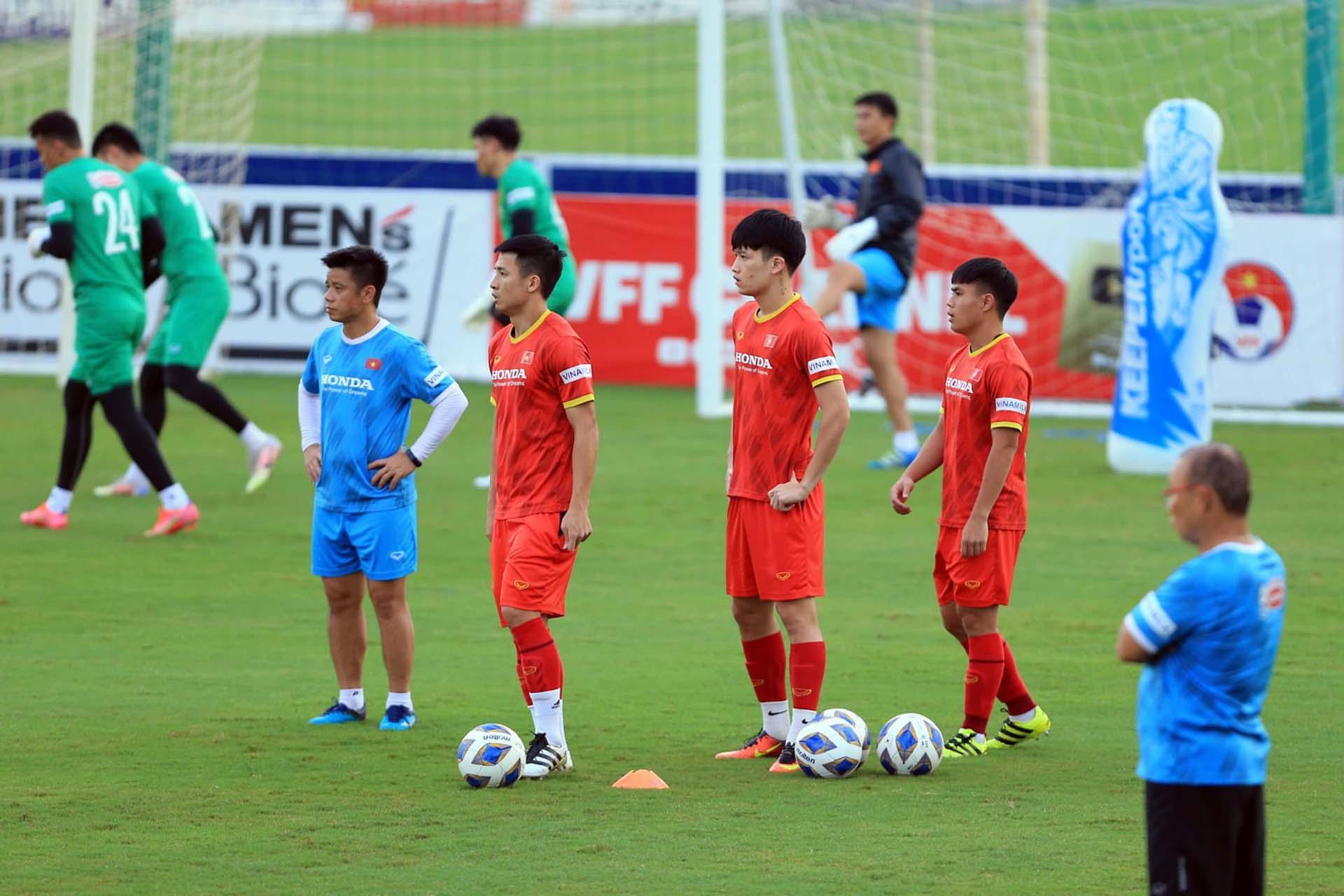 Tuyển Việt Nam gặp Trung Quốc ngày 7/10 và Oman ngày 12/10